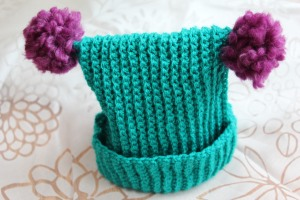 Baby pom-pom hat